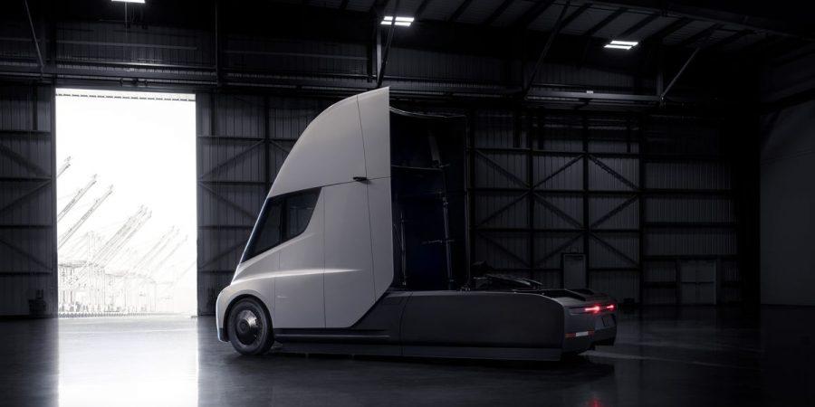 Idag invigs första snabbladdaren i Storuman och Teslas lastbil